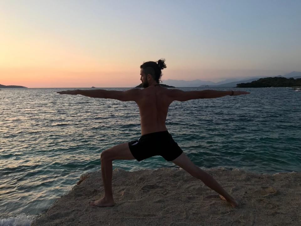 Yogasana - Warrior 2 (Virabhadrasana II)
